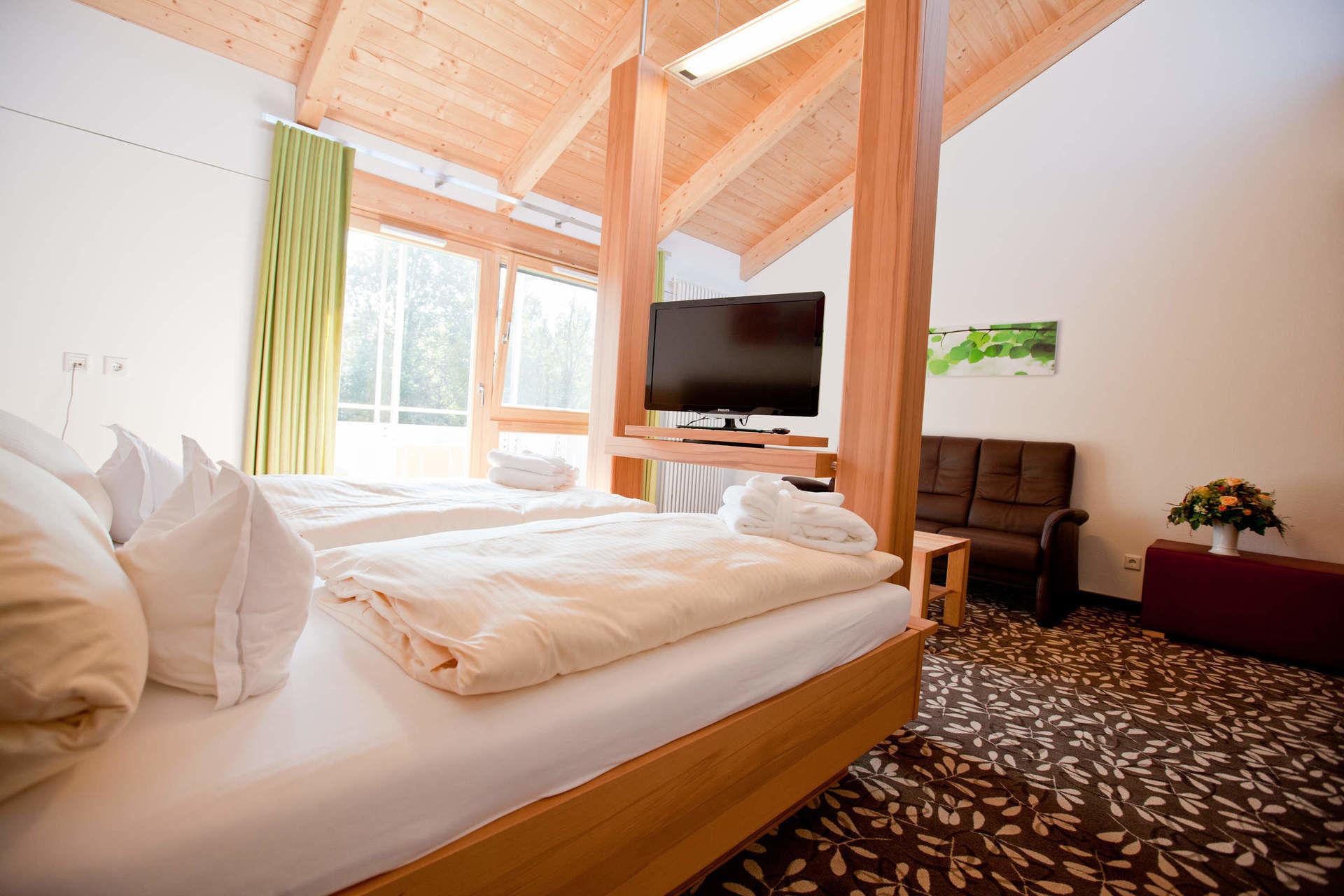 hotelzimmer 4 sterne hotel appartementhof waldeck bad. Black Bedroom Furniture Sets. Home Design Ideas